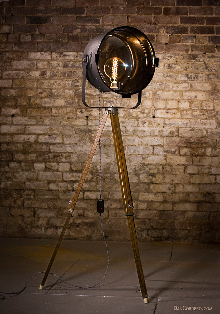 Vintage theater stage light floor lamp dan cordero for The lamp light theater