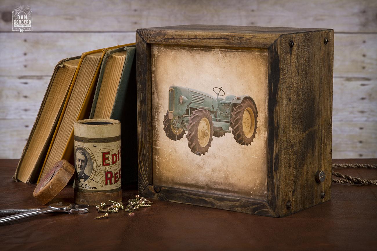 Edison Lightbox Lightbox Table Lamp Tractor