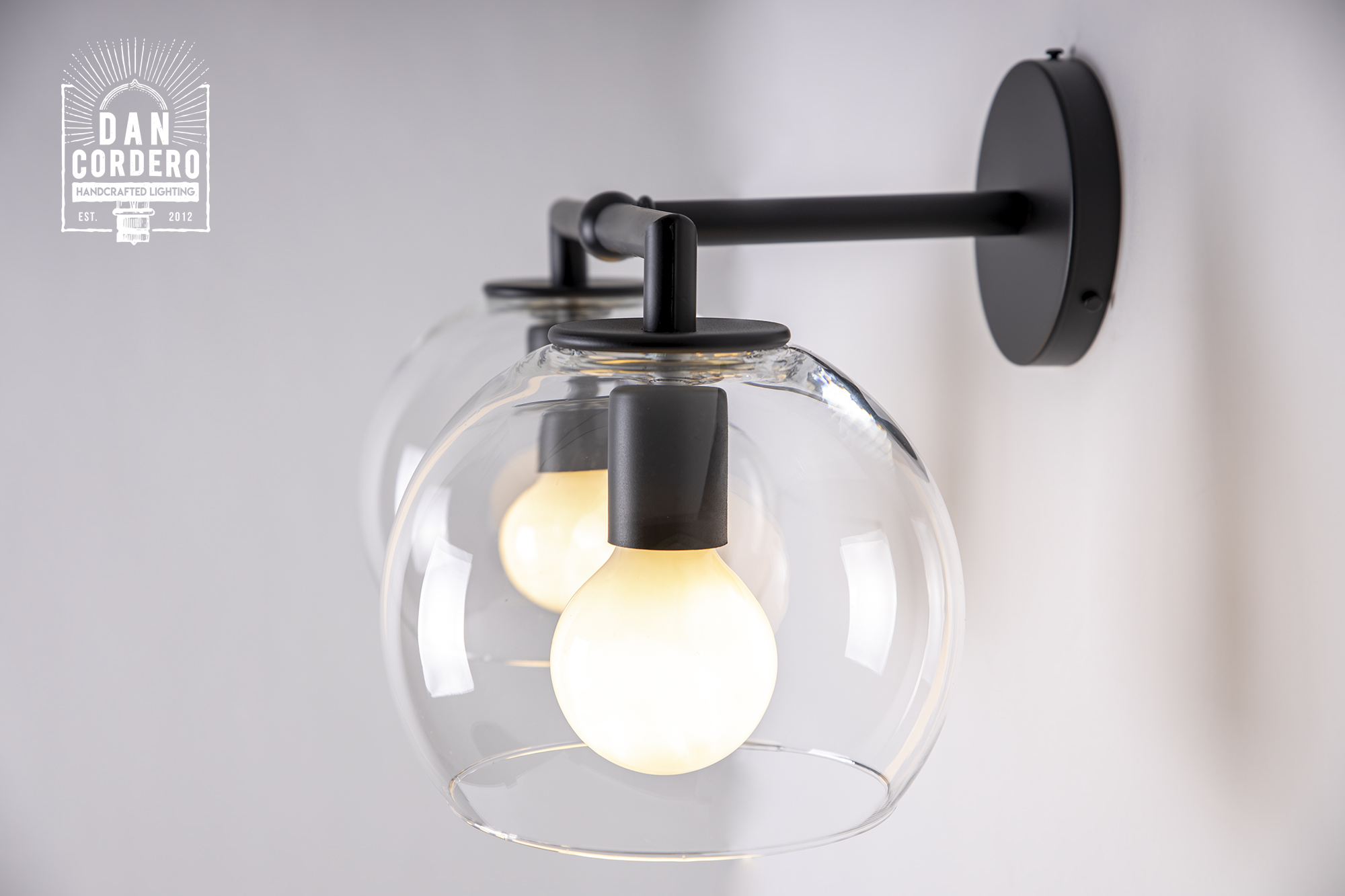 Lumière Globe Double Shade Sconce Light Fixture